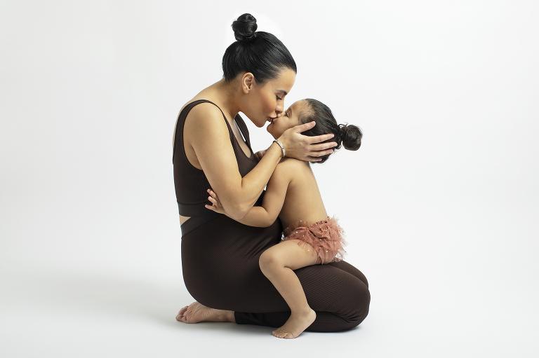 fotografmariaekblad gravidfotografering nyföddfotograf göteborg studio fotograf syskonfoto