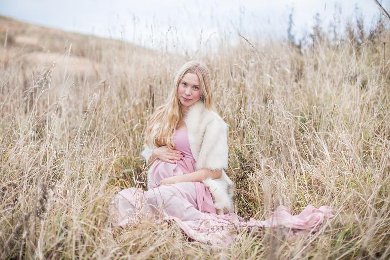 Fotograf Maria Ekblad gravidfotografering i Göteborg utomhus gravidklänningar