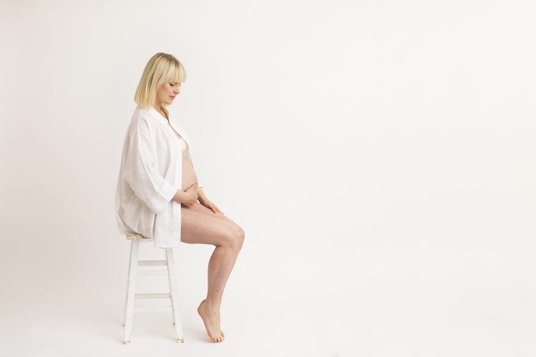 gravidfotografering Göteborg Maria Ekblad studio