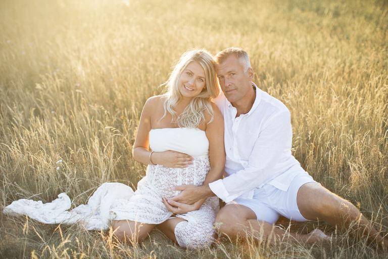 gravidfotografering i göteborg gravidfoto gravidklänningar låna pris fotograf maria ekblad