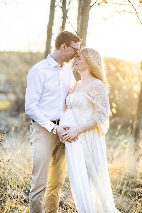 gravid foto Göteborg fotograf Maria Ekblad gravidklänningar