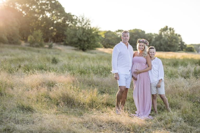 gravidfotografering i göteborg gravidbilder fotograf Maria Ekblad gravidklänningar