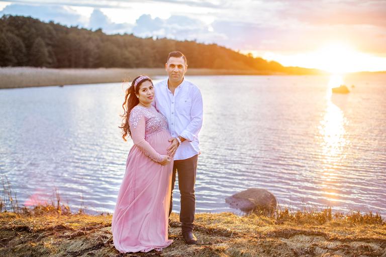 gravidfotografering utomhus gravidklänningar