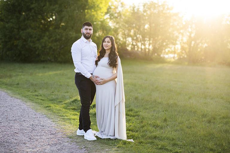 gravdifoto göteborg gravidklänningar solnedgång