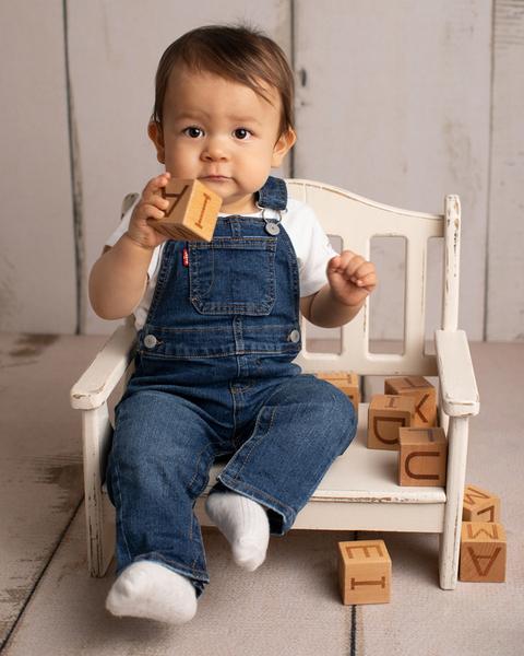 ettårsfotografering i studion familjebilder ettårsfoto ettåring barnfotograf fotograf Maria Ekblad